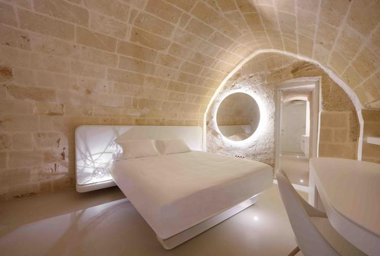 设计一个家庭自动化的智能家居的8个技巧, Aquatio Cave Luxury Hotel & SPA. Image © Juergen Eheim